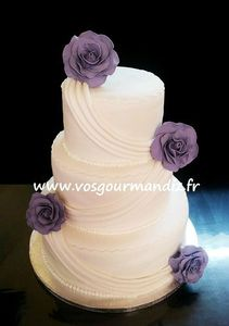 Wedding cake drapé