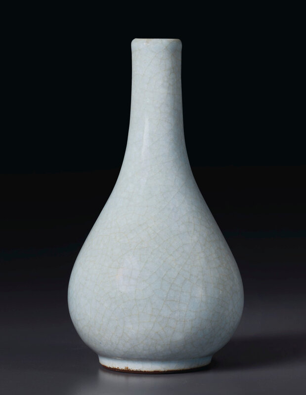 2020_NYR_19039_0851_000(a_rare_small_ru-type_pear-shaped_bottle_vase_china_qing_dynasty_yongzh034246)