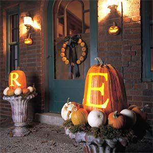 monogram_pumpkin