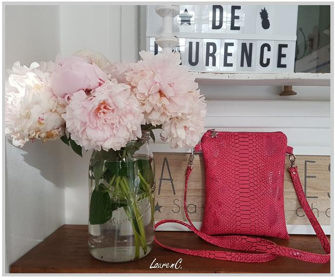 POCHETTE SIMILI ROSE CORAIL FLAMANTS