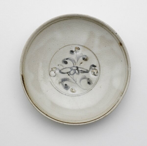 Dish, Vietnam, Trần or Later Lê dynasty, 14th-15th century
