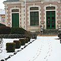 Mairie sous la neige