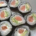 Makis saumon, avocat et fromage frais