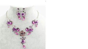 parure violette perles et fleurs