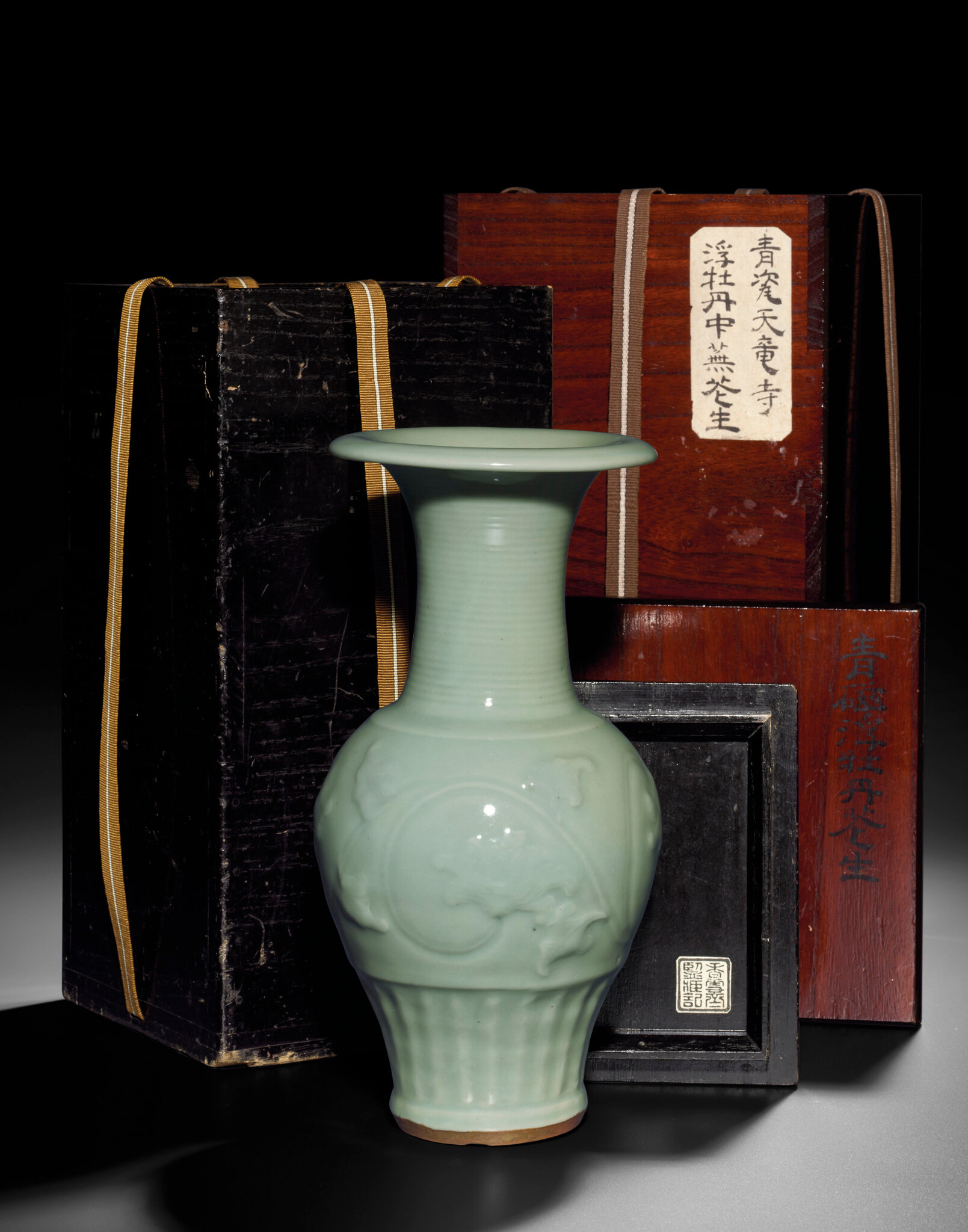 A fine Longquan celadon moulded vase, Southern Song-Yuan dynasty (1127-1368)