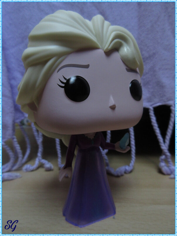 Frozen sisters Pop (15)
