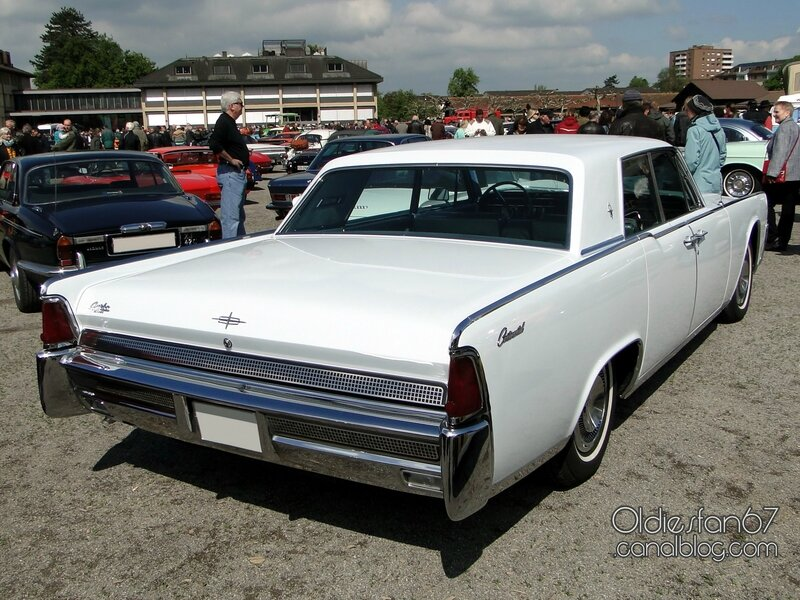 lincoln-continental-hardtop-pillared-sedan-1964-02