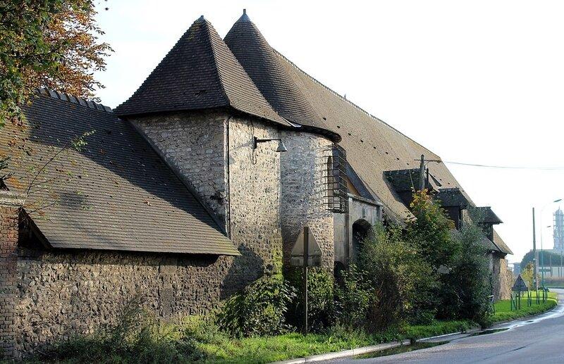 1200px-Oissel_-_Manoir_de_la_Chapelle_(2)