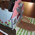 tapis de jeu chateau en feutrine fait main foldingo, handmade fold and go felt castlel play mat (4)