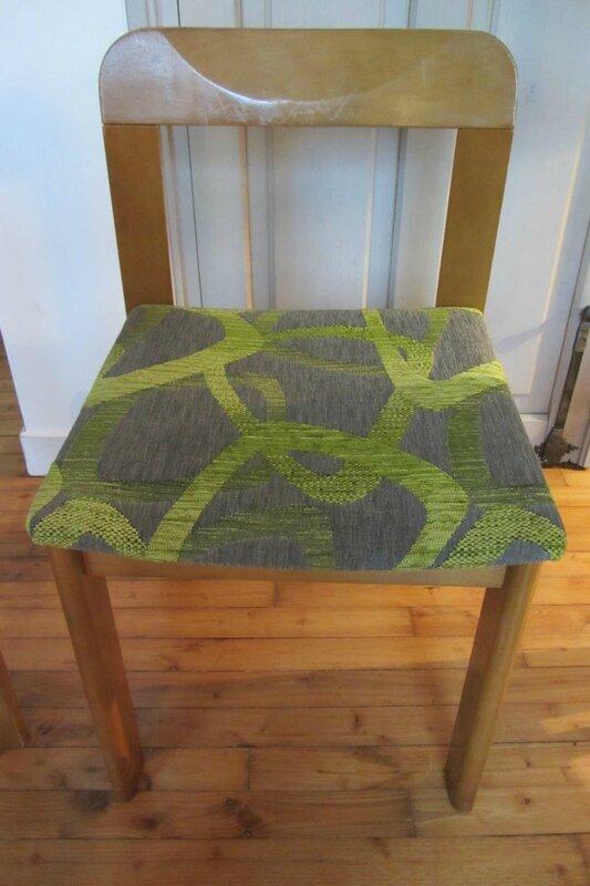 changer le tissu d'une chaise tapissier à Brest