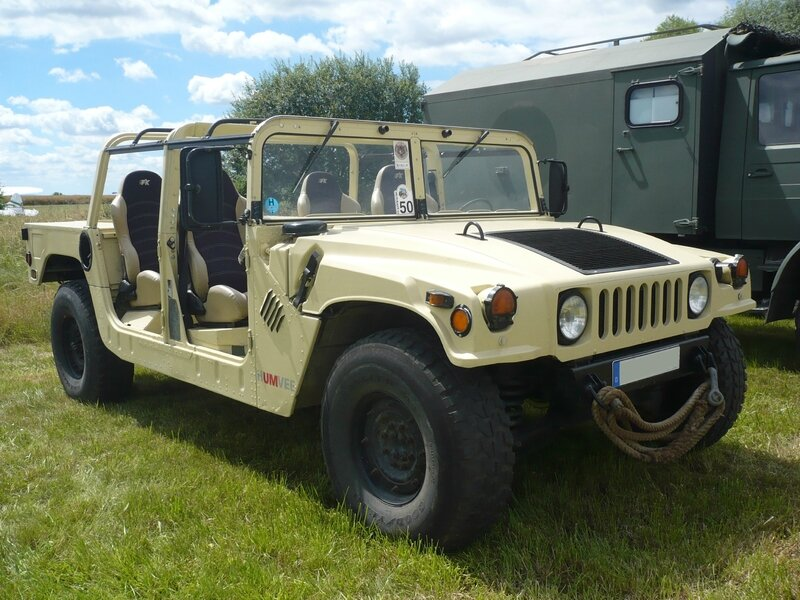 AM GENERAL Humvee Eutingen im Gau (1)