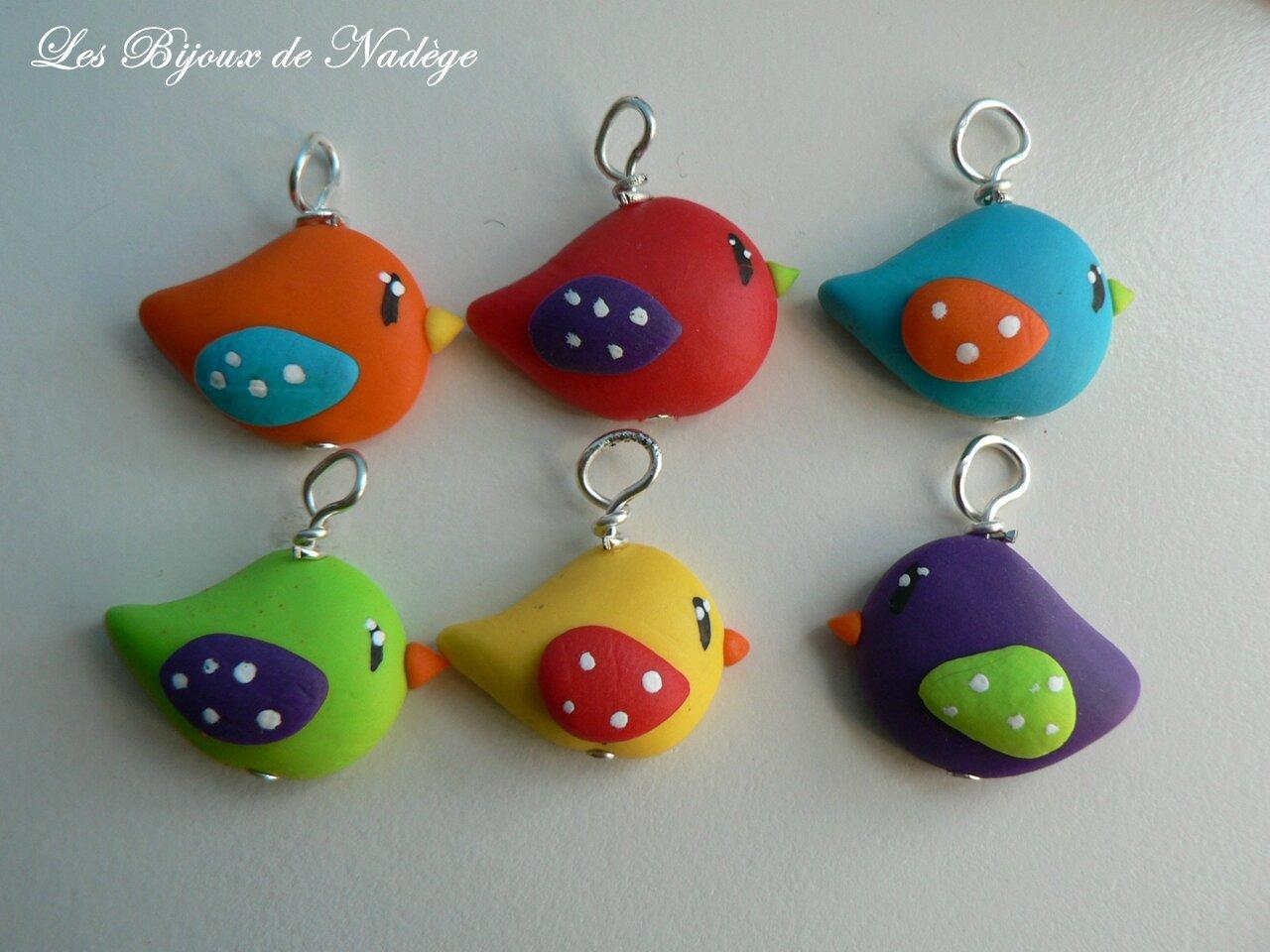 Decoration Theme Oiseaux Colores Et Poules Pour Un Bapteme Les