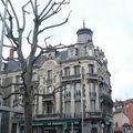 2009 04 15 Un bâtiment au centre du Puy en Velay