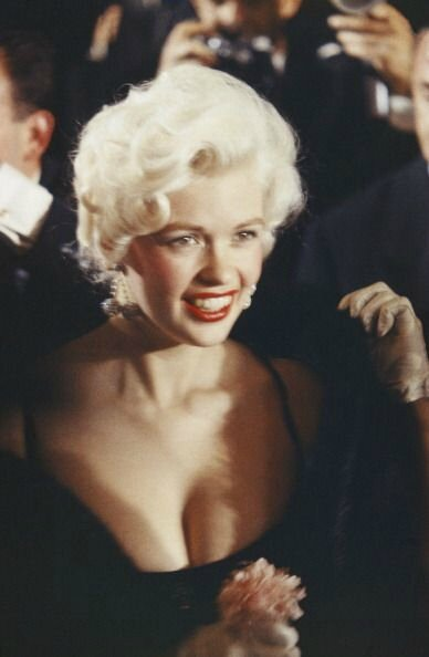 jayne-1958-05-cannes-with_mickey-by_philippe_le_tellier-3-4