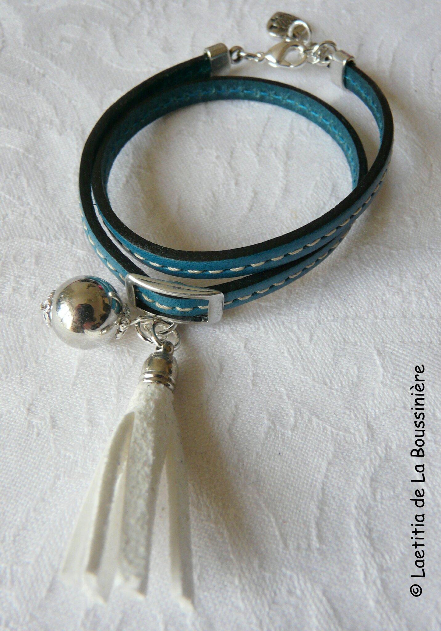 Bracelet Pompon bleu (pompon blanc)