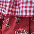 Robe Champêtre en lin blanc ornée de 4 volants de coton vichy, pois et fleurs (8)