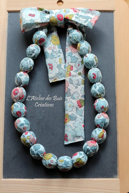 01_COLLIER_BOULES_LIBERTY_BETSY_PORCELAINE