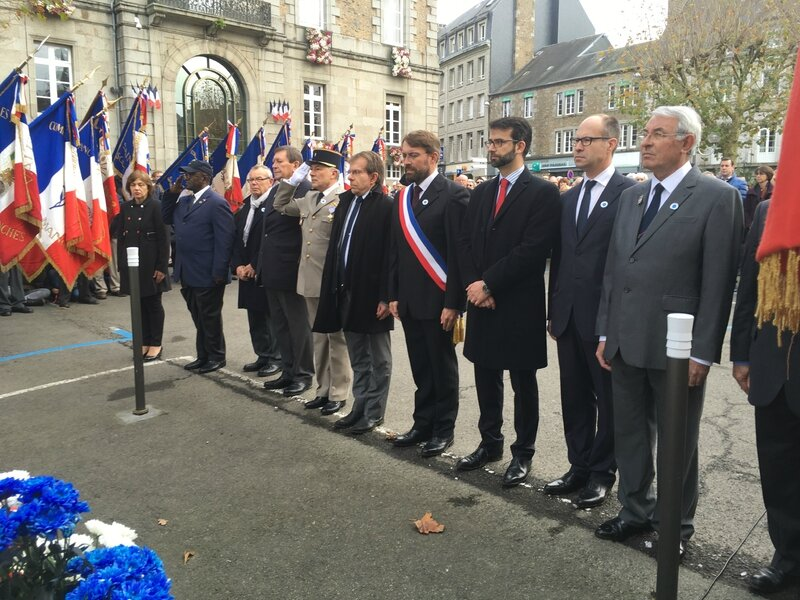 cérémonie de l'armistice du 11 novembre 1918 Avranches 2015 place Littré