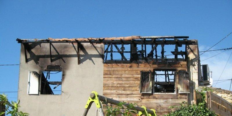 Une maison détruite par le feu à Anseillan