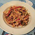 Mijotée de poulet et légumes croquants aux épices thaïs
