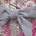 Manteau AGLAE en toile de coton mélangé beige imprimé de fleurs rose - Noeud de lin gris perle (5)