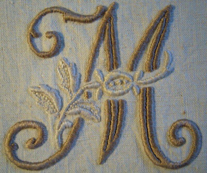 M de l'alphabet à la rose (petit modèle)
