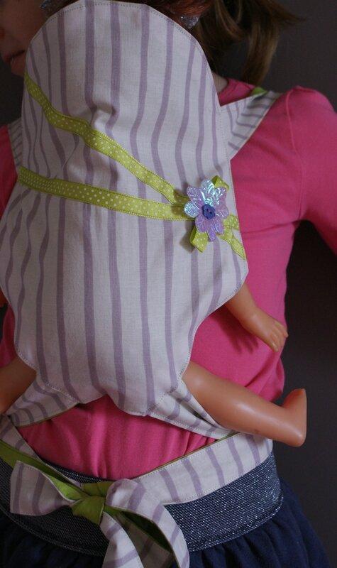 porte poupée porté