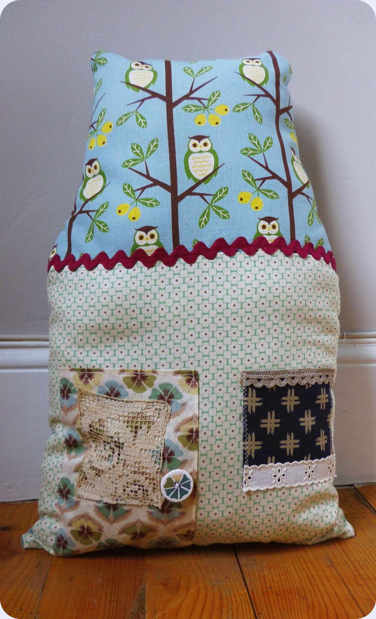 owl house (coussin)