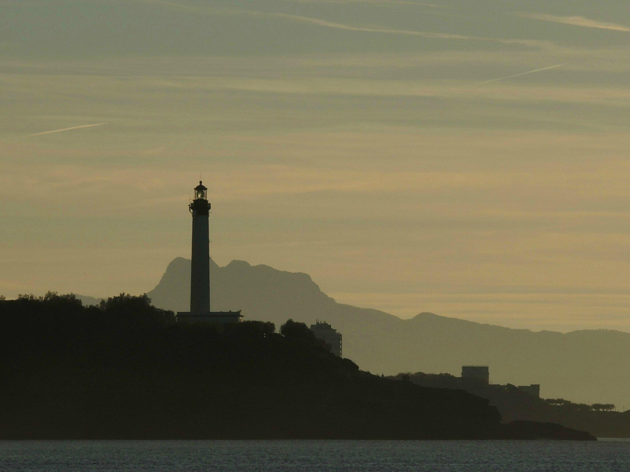 Anglet, plage de Marinella, vue sur le phare de Biarritz, décembre (64)