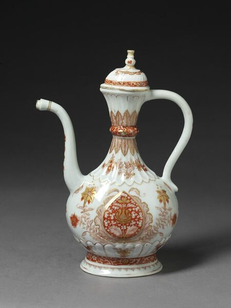 Porcelain ewer and lid, painted in iron-red enamel and gold, Jingdezhen, China, ca