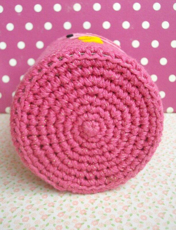 rond-crochet-fond-boite-laine-rose-vide-poche-the-serial-crocheteuses-&-more