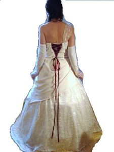 Robe sur Nadège dos paint blanc