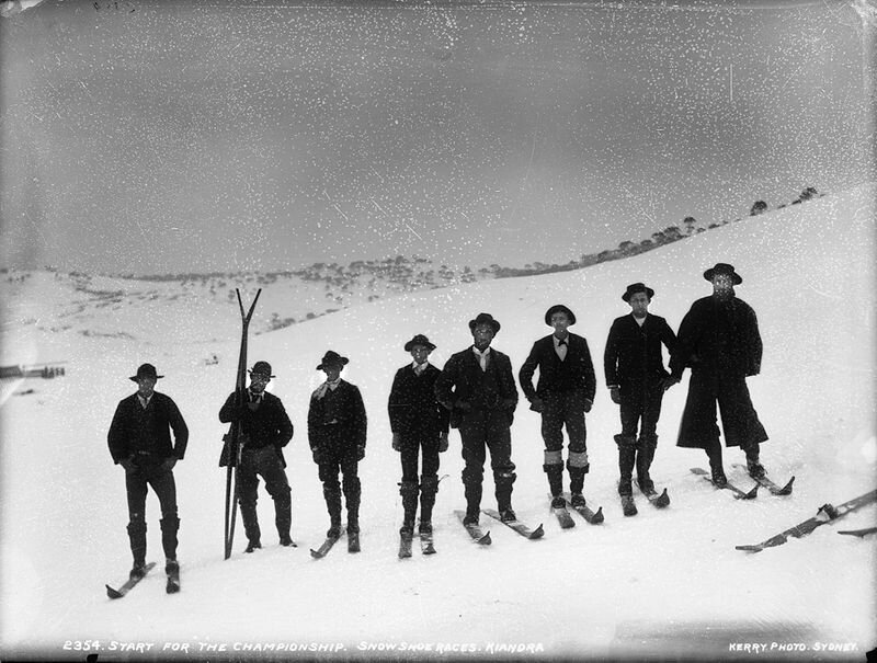 Photo-Start-for-the-championship-snowshoe-races-Kiandra-Australie--1900