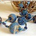 Sautoir Bleu avec les 1ères Mimi's Beaded Beads (Challenge de Lisa)