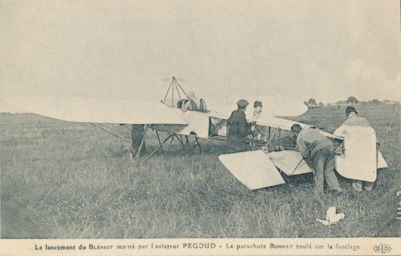 CPA Pégoud Saut en parachute 2