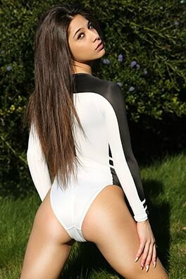 Ally in realise N-15 white ans black for swimsuit-heaven.net