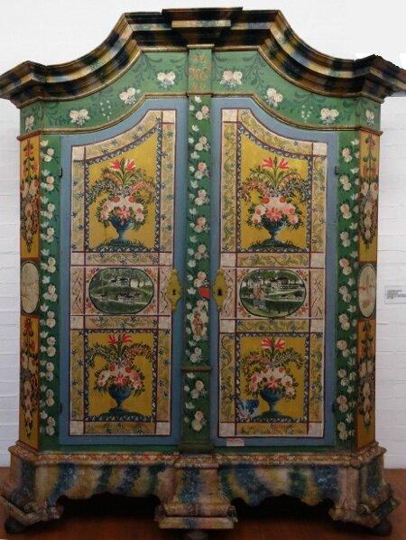 Armoire peinte2