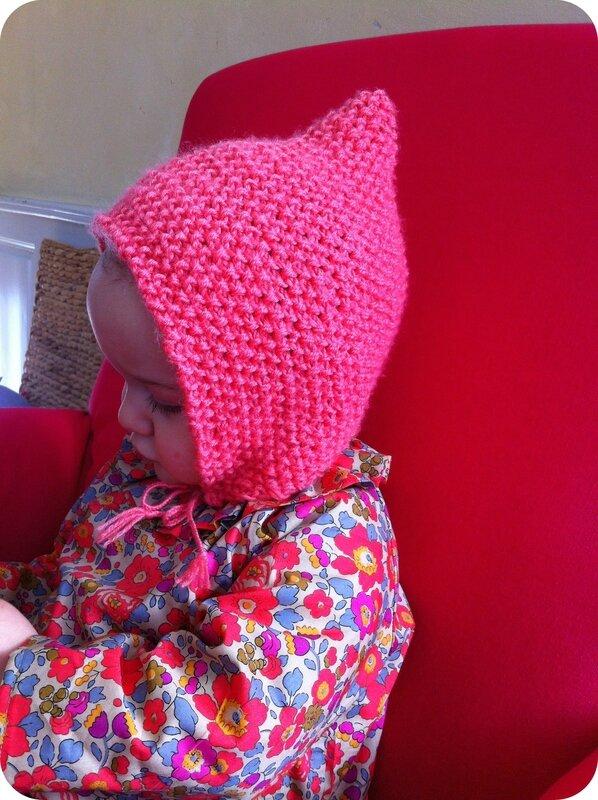 f348137eddd5 Je suis certaine d en tricoter un pour l automne car je l aurais bien gardé  pour ma poupée. Peut-être en accentuant encore le côité pointu.