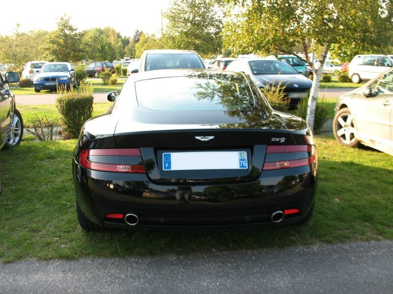 AstonMartinDB9ar
