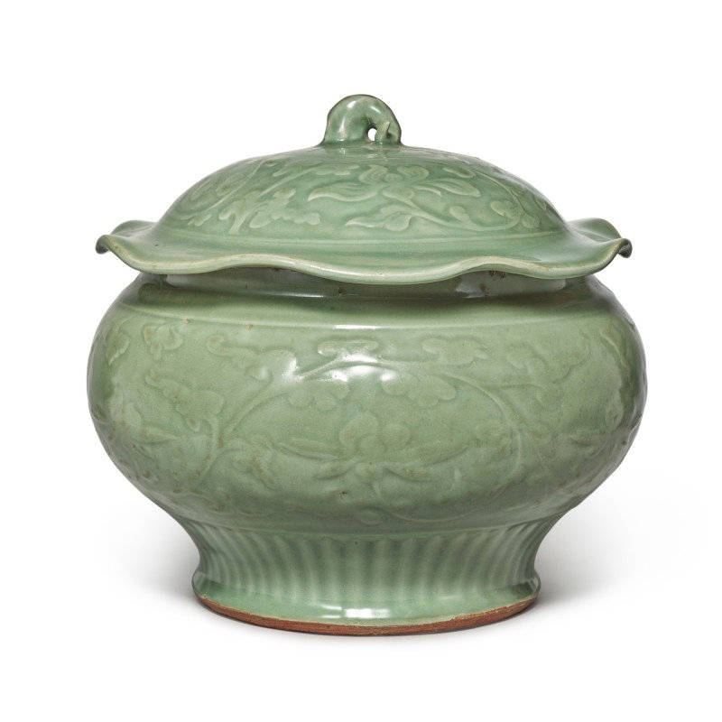 A 'Longquan' celadon-glazed 'lotus' jar and cover, Late Yuan-early Ming dynasty