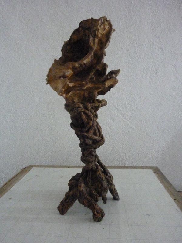 Bois d'olivier et argile autodurcissante patinée, 43cm de haut