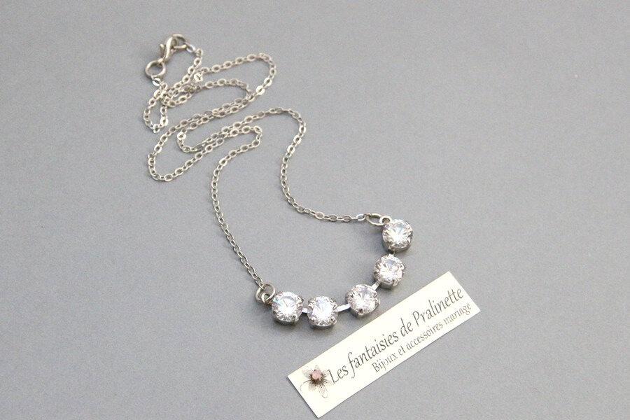 bijoux-mariage-collier-de-mariee-riviere-de-cristal-strass-transparent-et-rhodié-cinq-cristaux-3