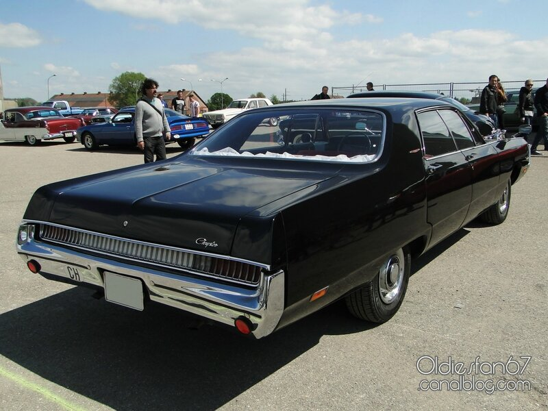 chrysler-newport-custom-hardtop-sedan-1969-02