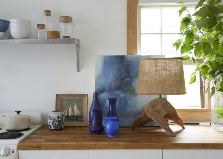 glenn-ban-stephen-johnson-provincetown-kitchen-detail-733x521