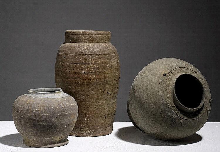 Lot composé de trois pots, Vietnam, dynasties diverses (Lý -Trần-Lê)