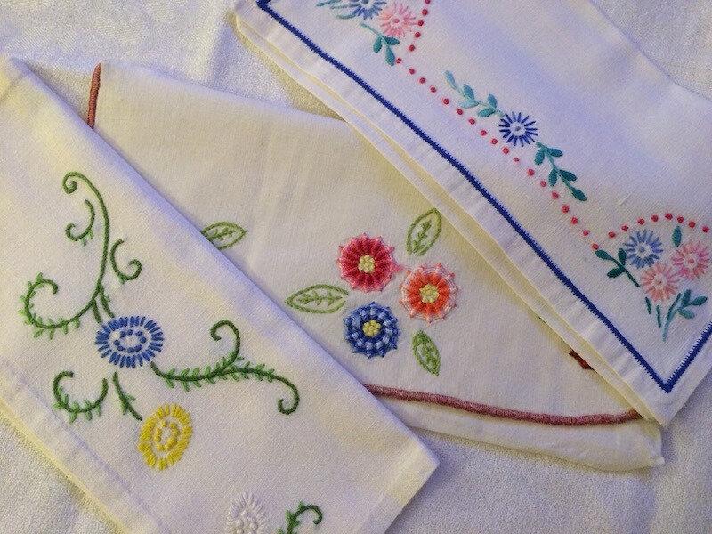 Des fleurs, encore des fleurs… - porte-serviette (3) -La Petite Mercerie - LPM - Emmaüs Le Plessis-Trévise