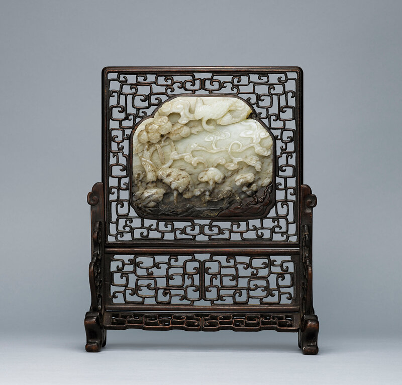 2015_HGK_03406_0253_000(a_carved_greyish-white_jade_crane_and_pine_plaque_ming_dynasty)