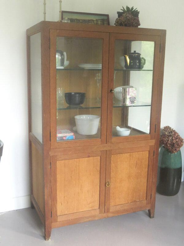 Armoire ancienne vitrée