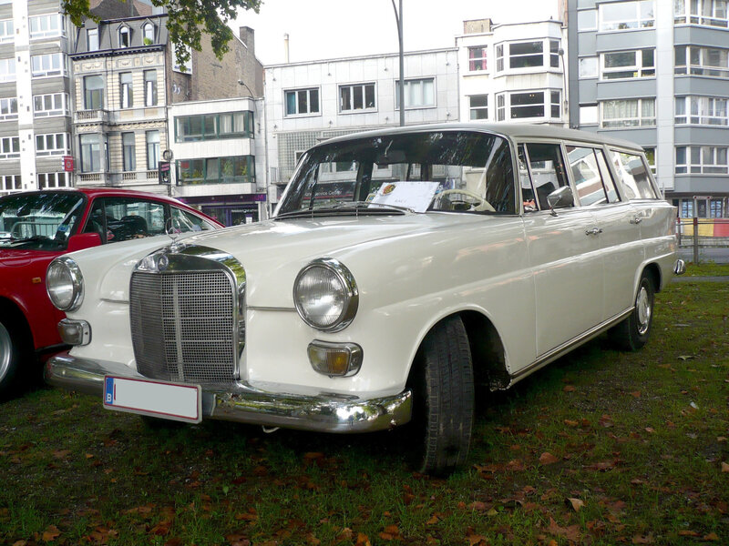 MERCEDES 200D W110 break Universal IMA Liège (1)
