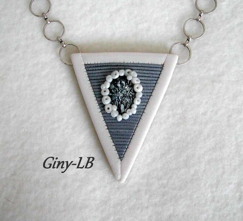 triangle gris